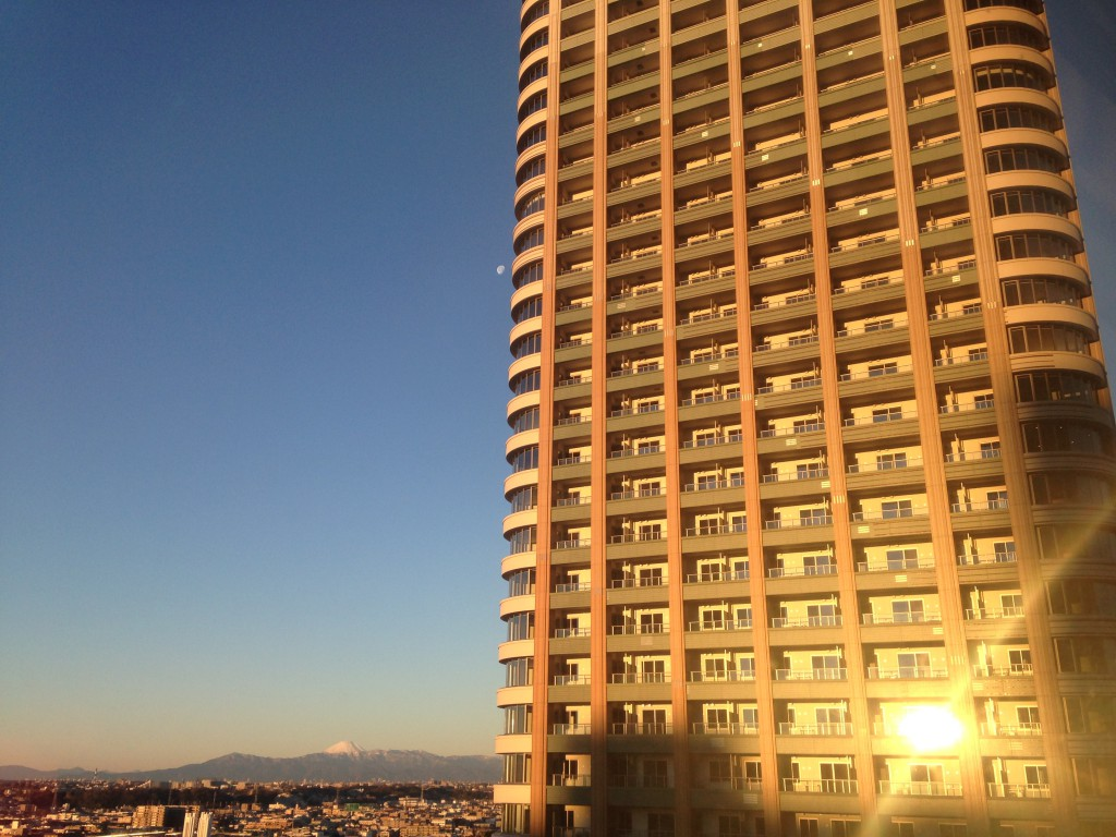 No.15 朝焼けの富士山と月と